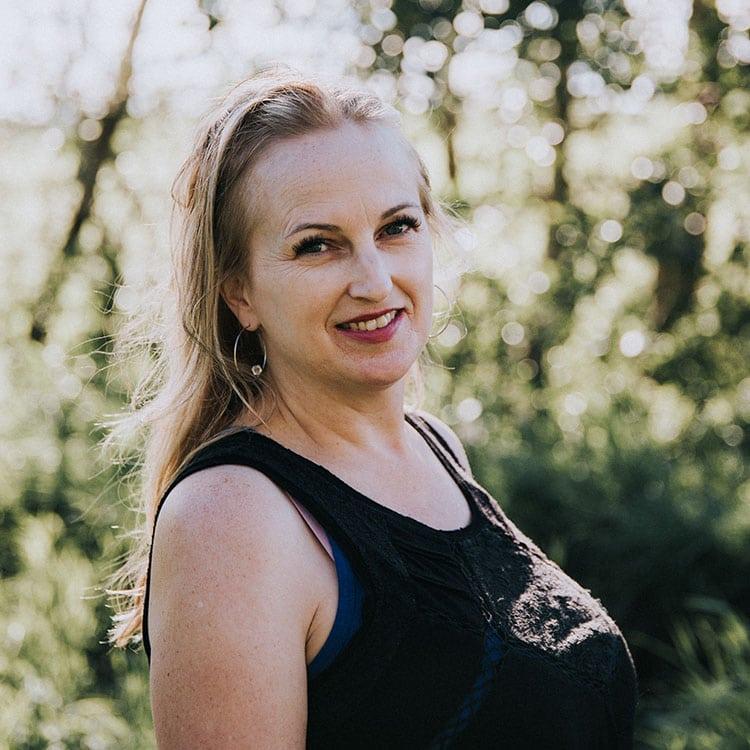 Lynda Elves - Canadian ANU Fertility Consultants Canada Surrogacy Surrogate